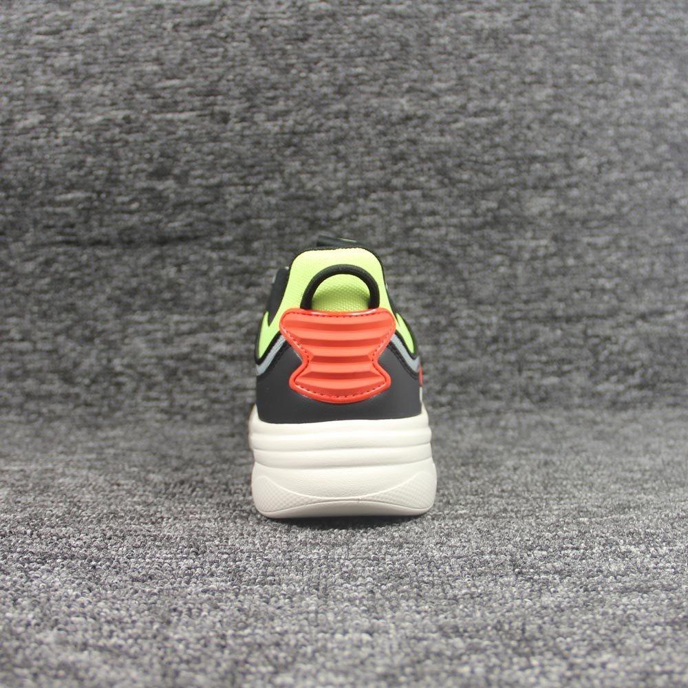 shoes-2028