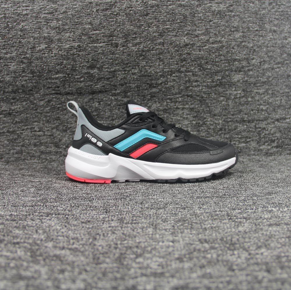 shoes-2099